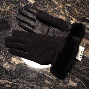 Black UGG gloves